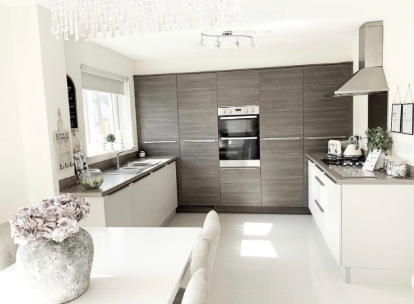 our_beautiful_bellway kitchen